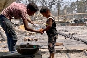 Pożar w obozie dla uchodźców Rohingja