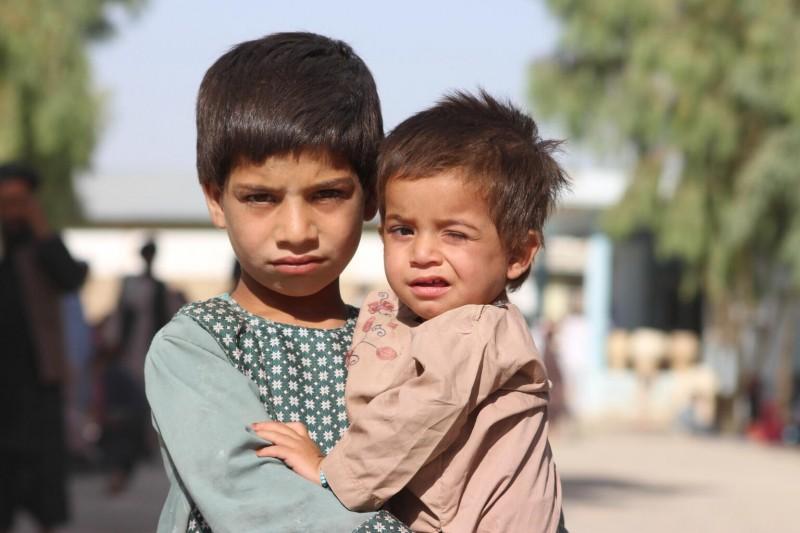 Niedożywienie jest ogromnym zagrożeniem dla dzieci.
