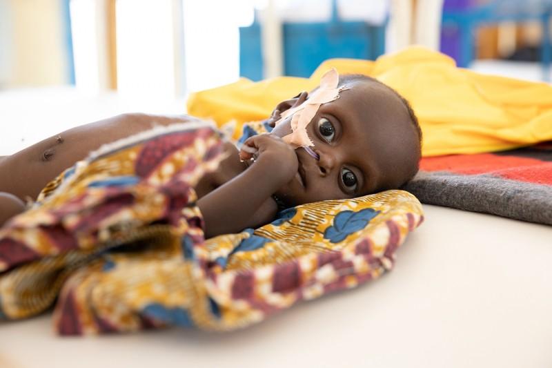 Dzieci_w_Nigrze_potrzebuja_pomocy