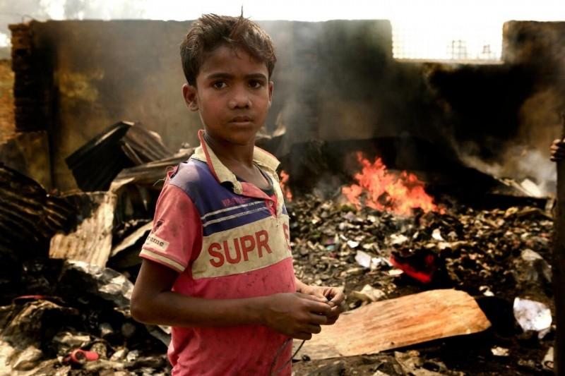 Pożar w obozie dla uchodźców Rohingja w Bangladeszu