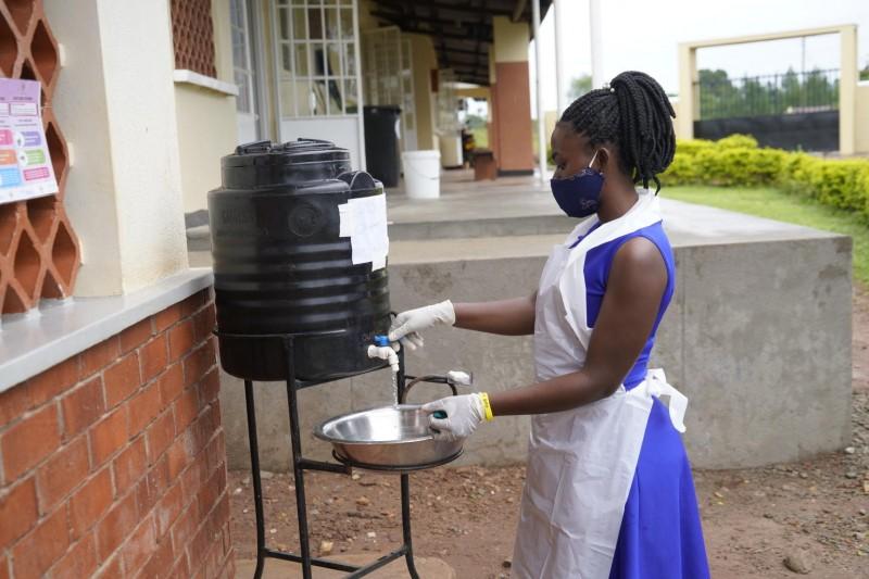 UNICEF Polska - Mycie rąk mydłem kluczowe w walce z COVID-19 i innymi chorobami zakaźnymi