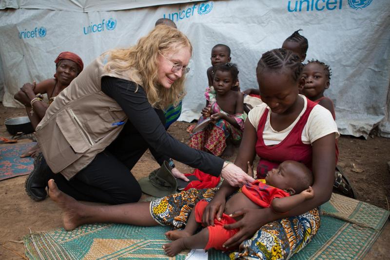 Mia Farrow - Ambasador Dobrej Woli UNICEF odwiedziła w lipcu Republikę Środkowoafrykańską_kw