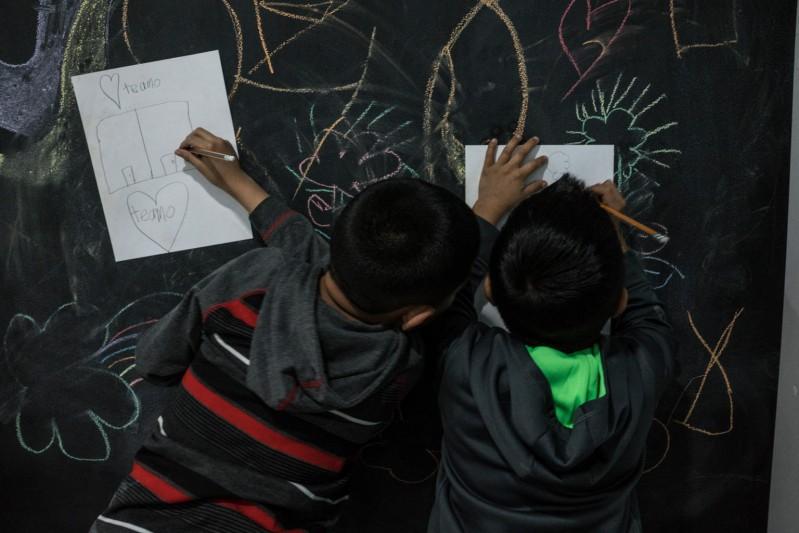 Dzieci podróżujące bez opieki przez Gwatemalę