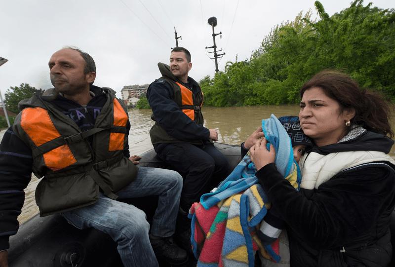 Tysiące ludzi w Bośni i Harcegowinie oraz Serbii straciło swoje domy.