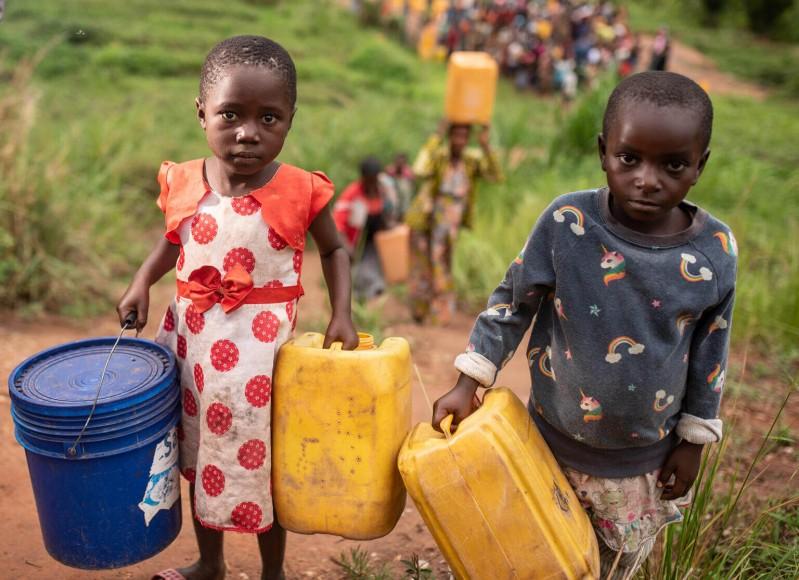 UNICEF Polska - Miliony dzieci na świecie cierpią z powodu braku wody