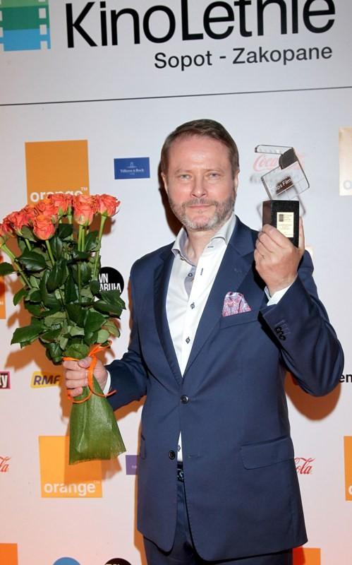 Artur Żmijewski z nagrodą 4 (fot. Agencja Zoom)