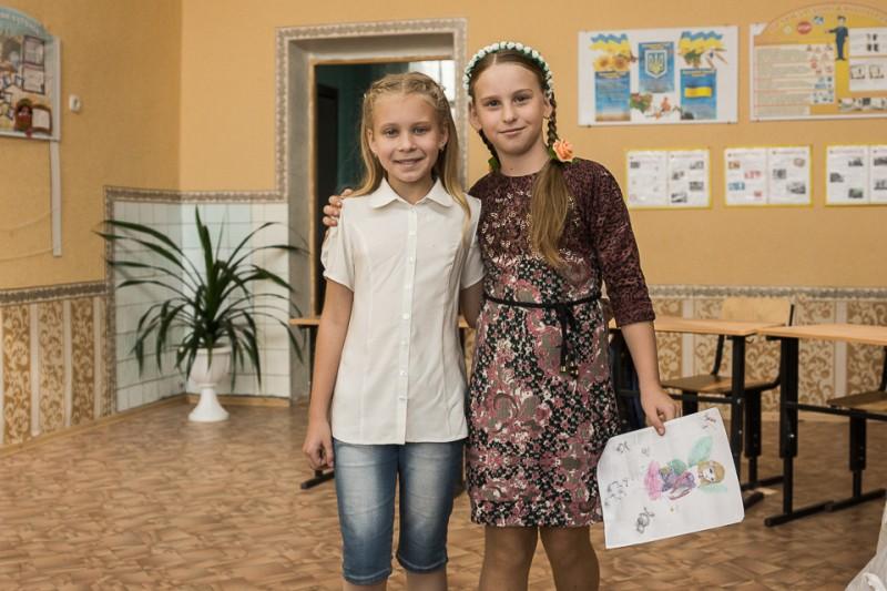 fot. UNICEF/Moskała  Liza (z lewej) i Liera są nierozłączne
