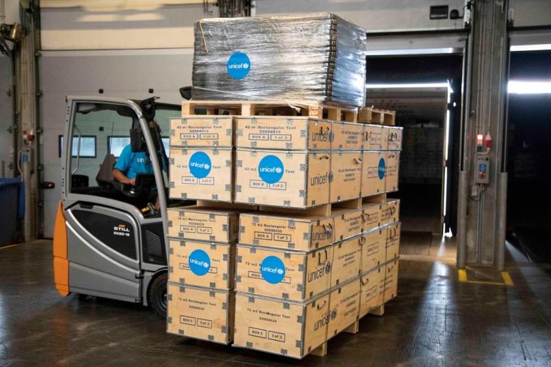 Pomoc została wysłana z magazynu UNICEF w Kopenhadze.