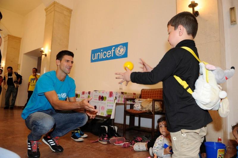 Novak Djokovic, Ambasador Dobrej Woli UNICEF odwiedza dzieci uchodźców i migrantów w Serbii