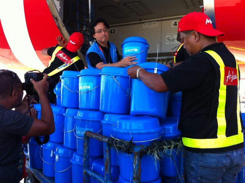 UNICEF dostarczył na Filipiny zestawy pierwszej pomocy