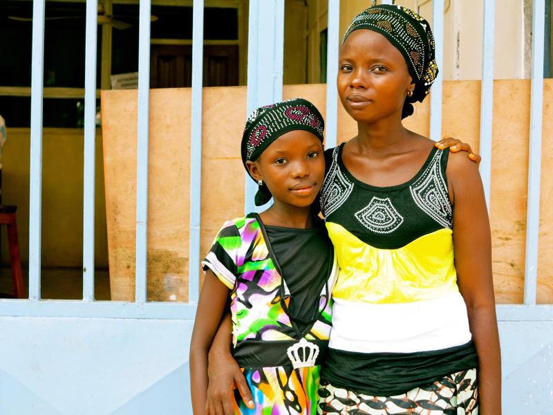 Sierra Leone – Fatmata i jej 11 letnia córka Tata pokonały wirusa