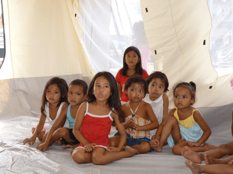 Tragedia dzieci na Filipinach