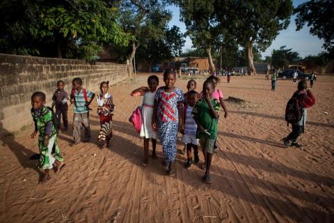 UNICEF Polska - MALI uczniowie idą do szkoły