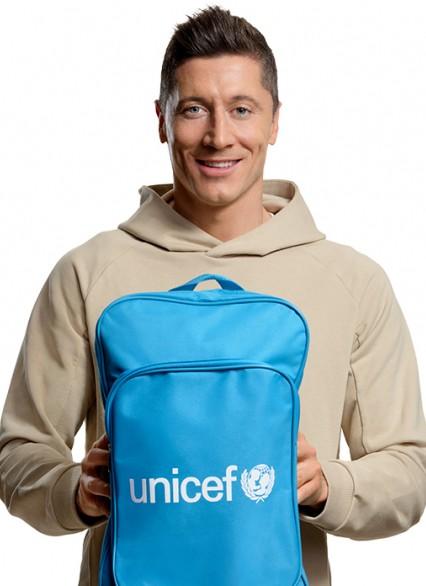 """""""Prezenty bez Pudła"""" najlepiej prezentują się w użyciu – Robert Lewandowski, wspiera program UNICEF Polska"""