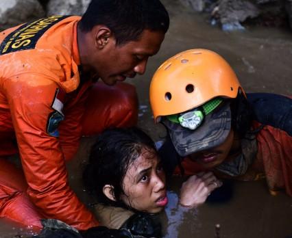 UNICEF niesie pomoc ofiarom trzęsienia ziemi i tsunami w Indonezji - potrzebne pilne wsparcie