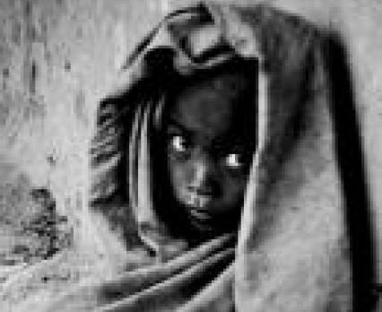 """Twoje 5 zł może odmienić życie dziecka na Madagaskarze – rusza właśnie II edycja ogólnopolskiej kampanii UNICEF i Mennicy Polskiej """"Reszta w Twoich..."""