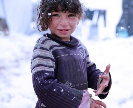 Nadejście zimy zagraża życiu i zdrowiu 1,5 mln dzieci na Bliskim Wschodzie. UNICEF Polska apeluje o pomoc dla dzieci z Syrii!