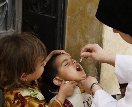Ryzykują życie, aby chronić dzieci przed polio