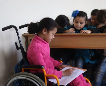Po 7. latach wojny w Syrii nie widać końca konfliktu, a dzieci z niepełnosprawnościami są zagrożone wykluczeniem