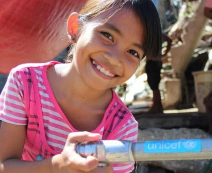 2,1 mld osób na świecie nie ma dostępu do wody pitnej w miejscu zamieszkania, a ponad dwa razy więcej pozbawionych jest odpowiednich warunków sanit...