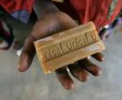 Czyste ręce ratują życie - mycie rąk mydłem to nawyk, który może uratować życie