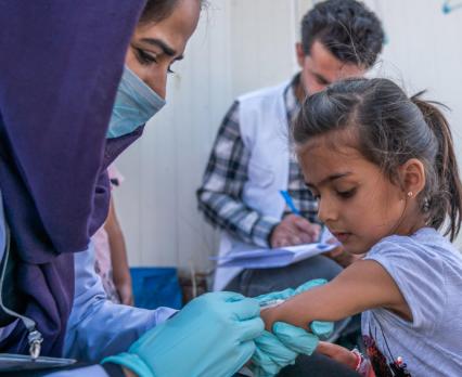 UNICEF Polska - pandemia COVID-19 wstrzymała program szczepień