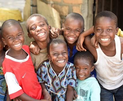 Firma GROHE wspiera UNICEF w zapewnieniu najbardziej potrzebującym dzieciom dostępu do godnych warunków wodno-sanitarnych