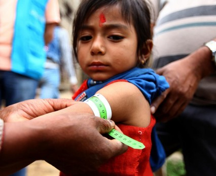 Miesiąc po trzęsieniu ziemi w Nepalu niedożywienie największym zagrożeniem dla dzieci