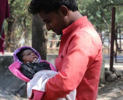 2 na 3 dzieci żyje w krajach, w których ojcowie nie mają prawa do płatnego urlopu ojcowskiego