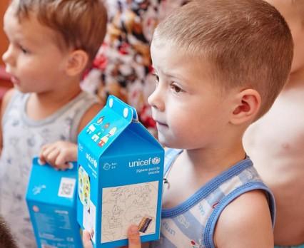 UNICEF Ukraina niesie pomoc dzieciom w obwodzie donieckim i ługańskim