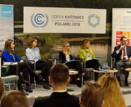 Elektryczne autobusy, tereny zielone w miastach, edukacja klimatyczna w szkołach – młodzi proponują rozwiązania dla klimatu na COP24