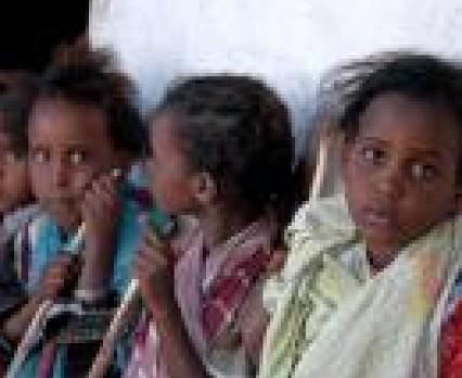 Każdego roku 3 miliony dziewczynek jest okaleczanych w imię okrutnych zwyczajów.