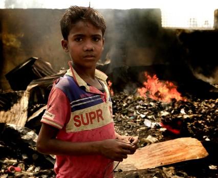 UNICEF Polska - Pożar w obozie dla uchodźców Rohingja w Bangladeszu