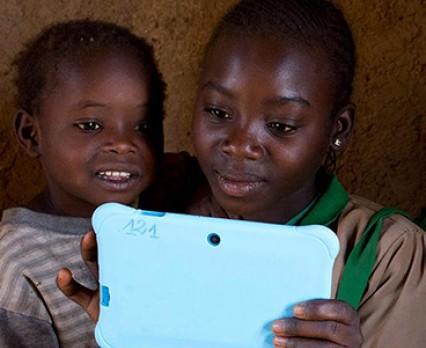 Dzień Bezpiecznego Internetu: UNICEF apeluje o wspólne działania zapobiegające dręczeniu młodzieży w sieci