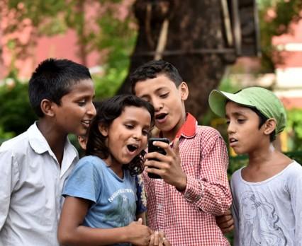 Raport UNICEF: 1 na 3 użytkowników Internetu to dziecko
