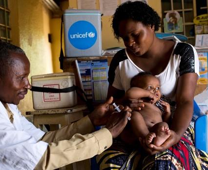 UNICEF Polska - odra to choroba, która bardzo łatwo się rozprzestrzenia