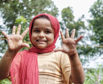 UNICEF Polska|Mycie rąk wodą i mydłem jest kluczowe w walce z chorobami zakaźnymi.