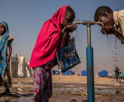 Ponad 180 mln ludzi w krajach ogarniętych konfliktami nie ma dostępu do wody pitnej