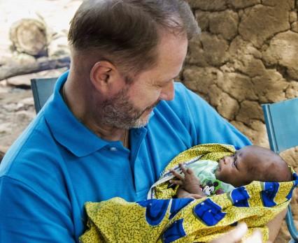 Artur Żmijewski i UNICEF apelują o pomoc dla matek i dzieci w Mali!