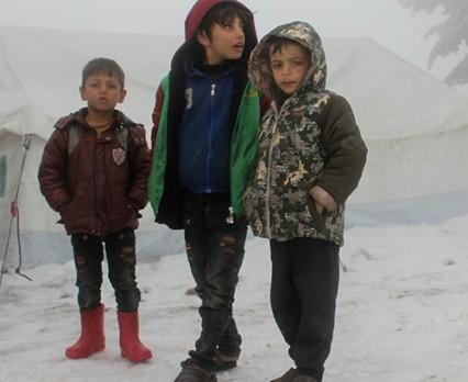 UNICEF: Pół miliona dzieci ucieka przed wojną w Syrii