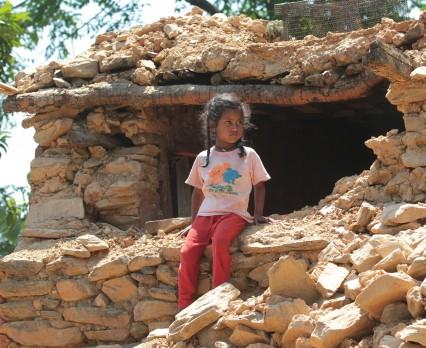 Niemal milion dzieci w Nepalu nie może wrócić do szkół