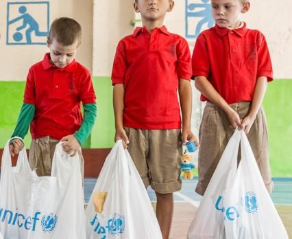 Pomoc humanitarna UNICEF we wschodniej Ukrainie