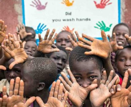UNICEF: W 2015 r. ponad 300 000 dzieci poniżej 5. roku życia zmarło na skutek chorób biegunkowych