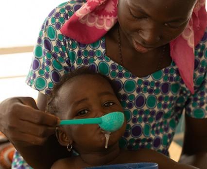 Polscy Darczyńcy przekazali już milion złotych na pomoc dzieciom w Nigrze!